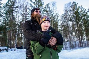 Motorintresset delar Björn Friberg med sonen Christoffer Friberg.