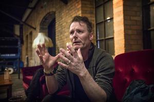 Patrik Pettersson, regissör.