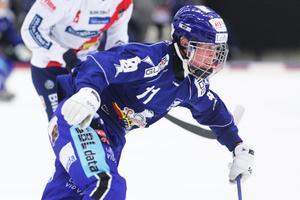 Albin Thomsen värvades tillbaka Villa från SAIK inför säsongen.