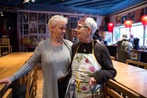 Ninni Körner och Måd Östberg är två av eldsjälarna som är med och fortsätter driva Robert Smiths skapelse soppköket.