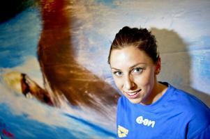Jennie Johansson fortsätter att dominera på bröstsimsdistanserna i världscupen.