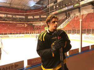 Lucas Gustavsson fick bara ett byte i SHL-debuten mot Luleå. Blir det mer istid mot HV?