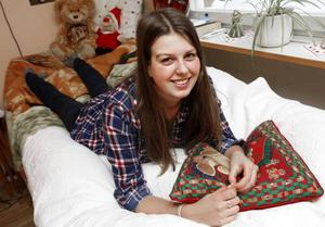 AKTIV OCH KREATIV. Kerstin Wahlström fyller 18 år i morgon och firar med hela släkten och fullt hus hemma i Sätra. Hon ser fram emot att gå ut på krogen och vill i framtiden bli förskolelärare. Efter gymnasiet vill hon dock först ta ett sabbatsår och bland annat hälsa på sina släktingar på den grekiska ön Kreta där hennes pappa bor.