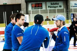 Niklas Edins lag i en SM-final i januari 2010.Bild: Karin Rickardsson