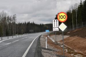 Hastigheten på vägsträckan höjs till 100 kilometer i timmen.