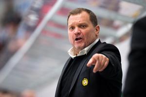 Magnus Sundquist tränare i Brynäs pekar ut riktningen för framtiden. Arkivbild: Bildbyrån