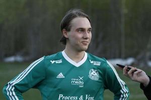 Tillsammans med lagkamraten Mårten Hillbom tar sig Älvkarlebys Felix Söderström in på månadens lista.