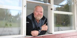 Lars-Ove Gerlström är ursprungligen från Lindesberg, men flyttade till Ramsberg för fem år sedan. Många i byn är glada för att han tar sig tid att renovera den legendariska kiosken.
