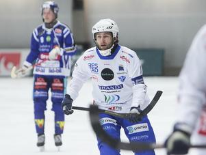 Jocke Hedqvist visade vägen till en prima derbyinsats med sitt tidiga hörnmål.