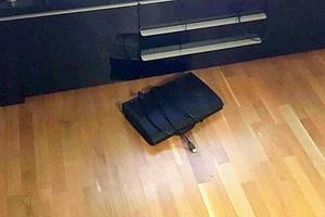 Bland annat ska de misstänkta gärningsmännen ha plockat fram en tv-box för att stjäla den. Bild: Polisens förundersökning