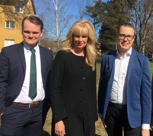 Moderaterna Alexander Hägg, AnnCharlotte Granath och Patrik Stenvard är besvikna på den styrande majoriteten i Region Gävleborg.