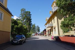 Järnvägsgatan med restaurangen Lottas Café. Foto:Katarina Cham