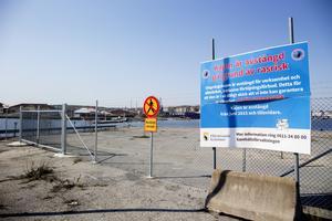 Bengt Sandström anser att kommunen måste komma till skott med renoveringen av Utsprångskajen i Härnösand.