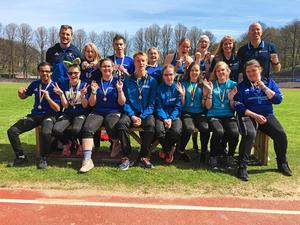Truppen från Bollnäs som tog medaljer i massor på Special Olympics i Göteborg.
