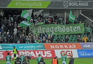 Brage har, åtminstone historiskt sett, varit ett höstlag. Något fansen tog fasta på i en banderoll i toppmatchen mot J-Södra i söndags.