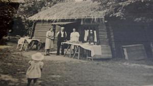 Ända sedan 1908 har någon form servering ägt rum vid Gammelgården.Foto: Hedemora Gammelgård