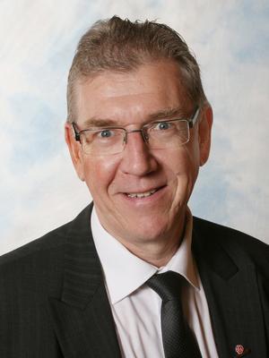Tommy Levinsson (S) är skarpt kritisk till uteblivna leveranser.