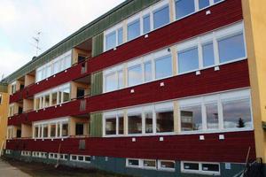 Fasaden mot söder har fått ett helt nytt utseende i och med ombyggnaden.Foto: Ingvar Ericsson