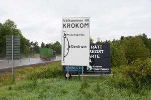 Vänstern i Krokom gillar inte de blågröna planerna på nedskärningar i kommunen.