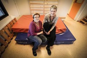 Lena Engström och Gerd Åkerström jobbar som förskollärare i Odensala och är kritiska till att barngrupperna blir större.