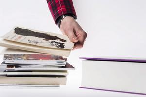 Ett antal noveller och en roman. Det lilla formatet förlorar i längd men har andra fördelar.