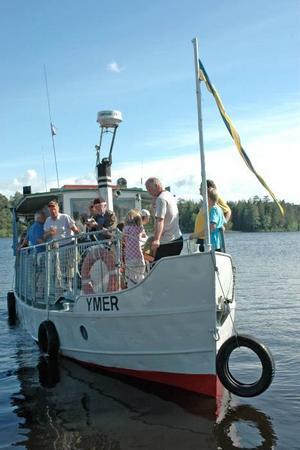 YMER. Den gamla flottarbåten Ymer bjöd på långa rundturer på älven.