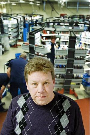 – Det finns en fantastisk kompetens hos brevbärarna i organisationen, säger Per Svensson, tillförordnad chef för norra distriktet i Östersund som bedriver sorteringen på Stadsdel norr.