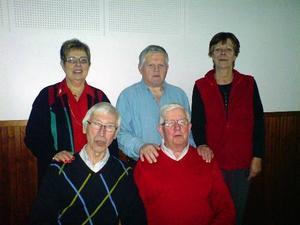 Den ny- och omvalda styrelsen för PRO Bodsjö 2009. Stående från vänster Elsy Sandbom, Bo Rylander och Berith Norberg-Nyström. Framför dem sitter från vänster Bo Toresson och ordföranden Alf Leek.