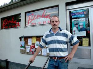 Till veckan börjar vinterns skidrea hos Ulf Jönsson, Benkas i Bergeforsen. Sedan läggs butiken ned.