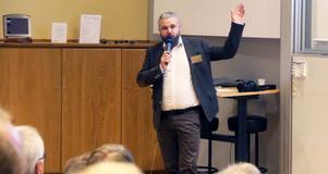 Kommunens fritidschef Anders Uddén berättar om festligheter som under namnet Vinterkalaset ska genomsyra SM-veckan i februari 2017. Centrum och medal plaza blir på Rådhustorget.