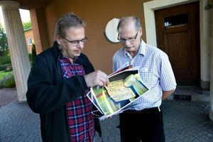 Ingen ska behöva ha det så här, säger Kenneth Persson när han ser bilderna från bron.
