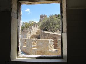 Här spelades Kanonerna på Navarone in. Det är en pampig bevard bevakningsplats i Spanien.