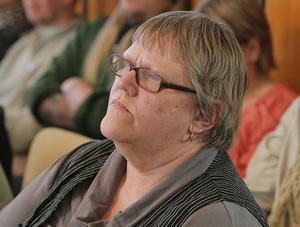 Anna-Lena Arousell Berglund vill se att beslutet att lägga ned Backens skola rivs upp.