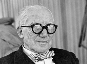 Charles Edouard Jeanneret, alias Le Corbusier, visas nu i helfigur på Moderna museet i Stockholm.