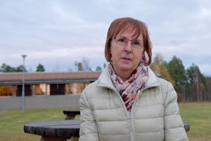 Gunilla Zetterström Bäcke (S) vill inte att äldreboendet Mobacka i Lillhärdal ska säljas. Med sig har hon Landsbygdspartiet och Vänstern. Frågan avgörs på måndag i fullmäktige.