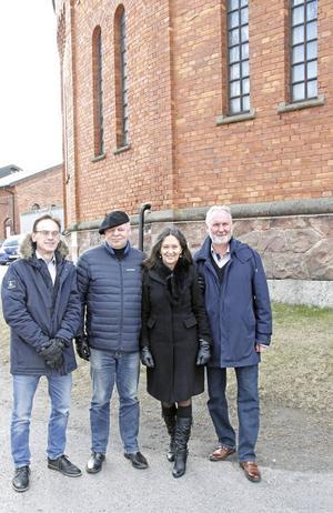 Stellan Alneberg, Jerker Swande, Anna-Lotta Larsson och Rolf Wickenberg är några av dem som nu repeterar inför höstens premiär av