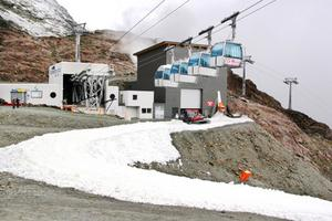 Många alpina landslag tränar i Pitztal under försäsongen och gillar det hårda underlag som bildas när snön fryser. Foto: IDE