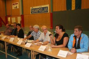 Debattpanelen fr.v. Lasse Lundberg, SKP, Sven Bergström, V, Monica Olsson, S, Stig Eng, C, Ove Wallberg, FP, Maria Karström, KD och Per A. Nordgren, M.