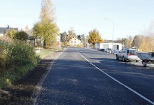 Arbetena med gång- och cykelbanan på norra Köpmangatan är i princip klara men på Timrå kommun handlade man inte ärendet rätt och måste göra om.