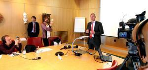 Olof Faxander meddelade under en presskonferens den 2 september 2011 att Sandviks huvudkontor flyttar till Stockholm.