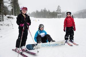 Meja, Alice och Lovisa Björklund (bilden) besökte Bjursås-backen med mamma Annica Andersson i söndags.