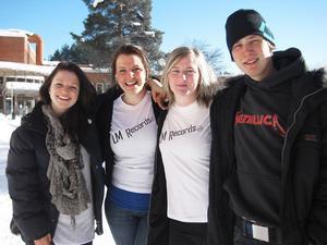 Sofie Oskarsson, Malin Danhard, Louice Järveryd och Emil Åkesson driver tillsammans LM Records som UF-företag. Foto: Malin Hultin
