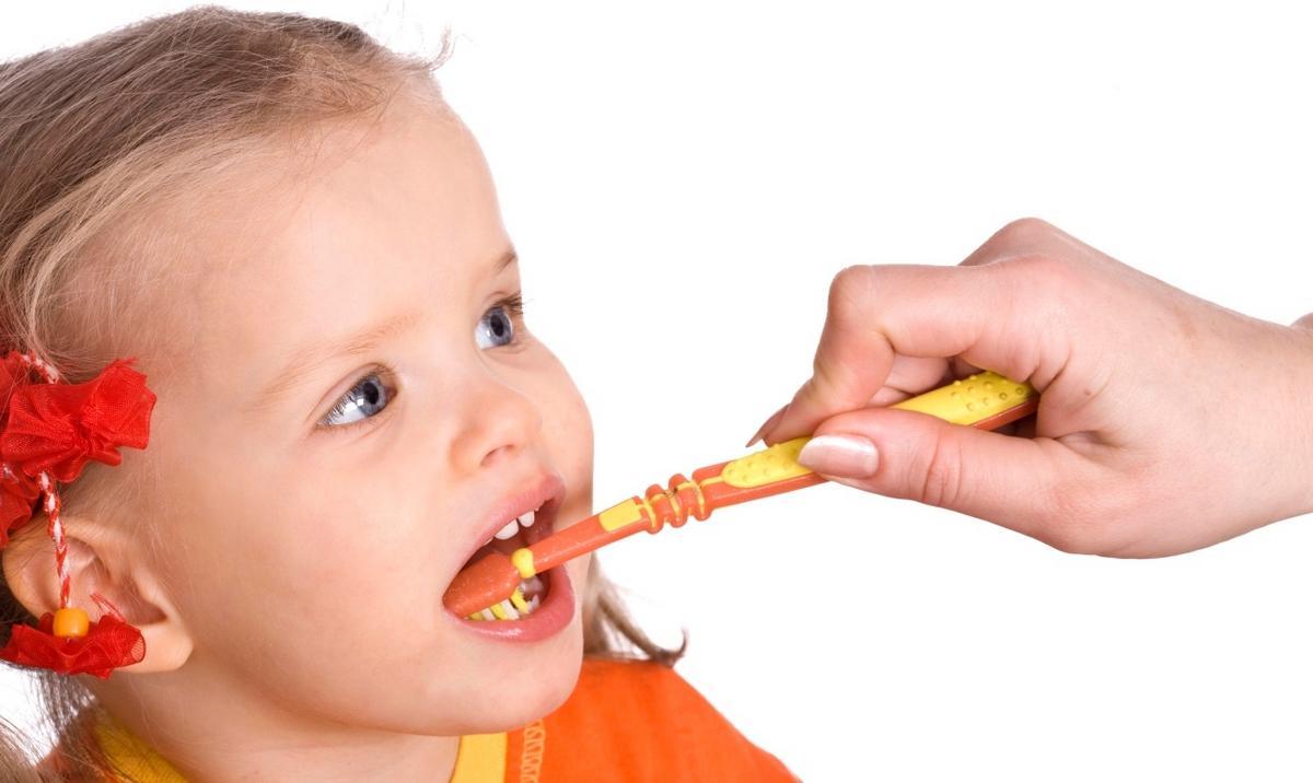 Så blir ditt barn vän med tandborsten 3ede029146243