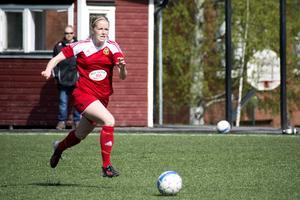 Matchens enda tvåmålsskytt, Sanna Lööw Ohlson.