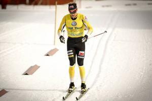 Jens Eriksson, Dala Floda, tog vid 27 års ålder sitt första SM-tecken genom att vinna lördagens femmil i Åsarna.