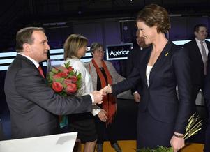 Stefan Löfven borde närma sig Alliansens politik och söka samarbete.