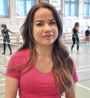 Pia Ehnebom, 17 år, Valbo, studerar:   – Jag tycker den är tråkig. Bara kul ibland med lekar och gymnastik.