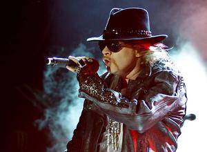 Axl Rose, sångare i Guns N' Roses, under en konsert i Indien 2012. Arkivbild.   Foto: Aijaz Rahi/AP/