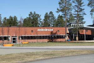 Det var på Arenaskolan i Timrå som bråket mellan elev och förälder inträffade.