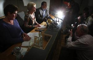"""På måndagskvällen kom beskedet att Wanja Lundby-Wedin att stannar kvar som LO-ordförande. Samtliga medlemsförbund uttalade sitt fulla stöd för henne. """"Wanja är en bra ordförande"""", sade Metalls Stefan Löfvén på presskonferensen.    Foto: scanpix"""